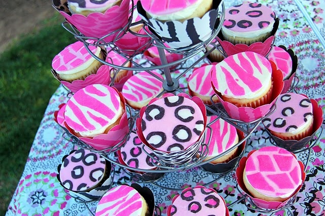 The greatest cupcakes for an animal print Bachelorette Party!