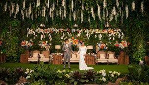 Pernikahan Tema Indoor Garden di Hotel Dharmawangsa