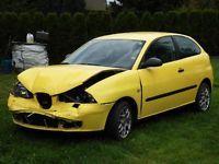 Gumtree: Uszkodzony jak na zdjęciach !! Silnik pali. W wyposażeniu: alufelgi, światła przeciwmgłowe, ABS, autoalarm, poduszki powietrzne, immobiliser, el. szyby, klimatyzacja, centralny zamek, radio, wspomagan