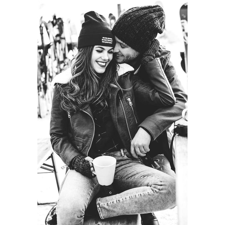 "24.6 ezer kedvelés, 27 hozzászólás – Csobot Adél (@adelcsobot) Instagram-hozzászólása: ""☕️ #love #happiness #winter #winterfashion #blacknwhite #best #loveit"""