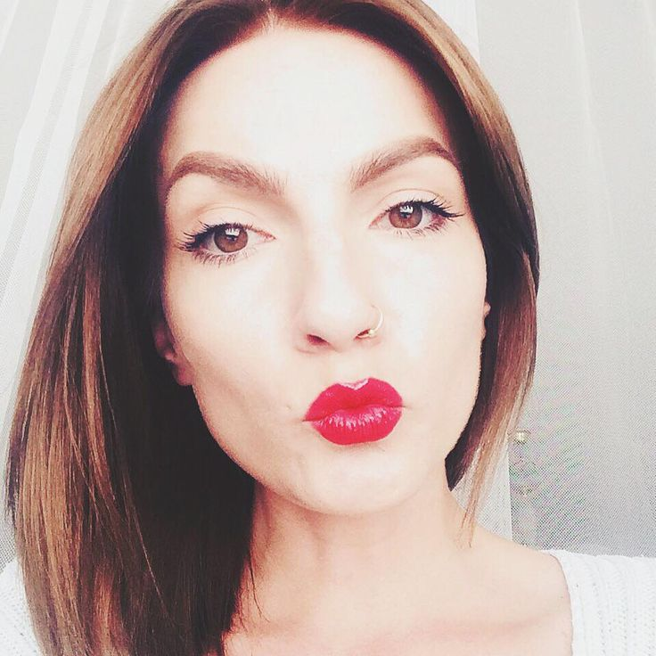 ..Let's pretend that everything's OK! ..Beautiful #monday to everyone // #red #lipstick #woman / <3