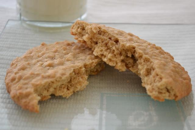 Brown Sugar Oatmeal CookiesOatmeal Cookies, Brown Sugar, Cinnamon Oatmeal, Brown Butter, Sugar Oatmeal, Food Treats, Recipe Worth, Foodies Paradis, Cookies Jars