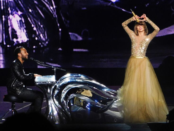 Taylor Swift & John Legend performing 'All Of Me' on the 1989 World Tour