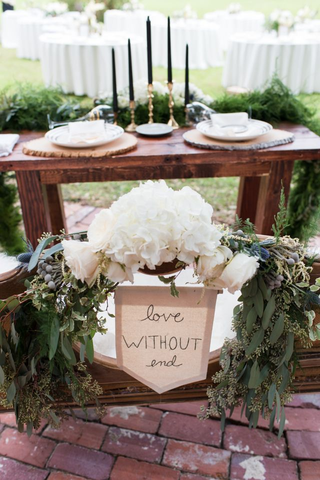 Sweetheart table garland | LH Photography | see more on:  http://burnettsboards.com/2015/04/vintage-glam-wedding/