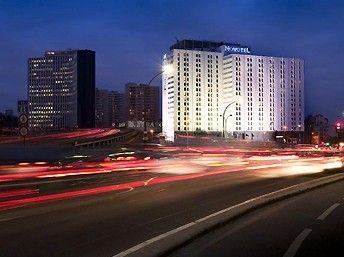 Novotel Paris Est : Hôtel 4 étoiles, disposant de 609 chambre et 30 salles de séminaire pour une capacité totale d'accueil de 750 personnes. http://www.aleou.fr/salle-seminaire/2325-novotel-paris-est.html