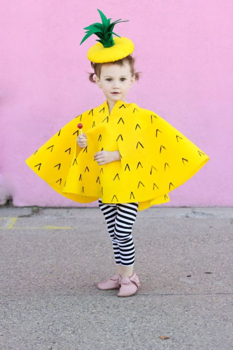 Pineapple: By simply changing the color of the cape and hat, you kiddo can dress up as any fruit that they might want for Halloween. Think red for apples andorange for oranges and of course yellow for a kids DIY pineapple Halloween costume.Find more cute, fun and easy DIY kids Halloween costume ideas here.