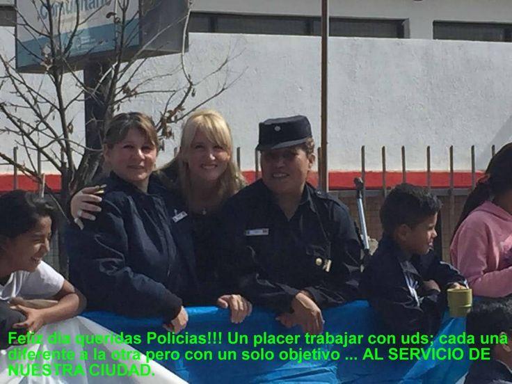 Feliz día queridas Policias!!! Un placer trabajar con uds; cada una diferente a la otra pero con un solo objetivo ... AL SERVICIO DE NUESTRA CIUDAD.