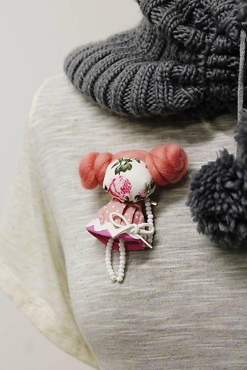 maramanufaktura / brošňa mini MARA divá ruža /bledo-ružová /