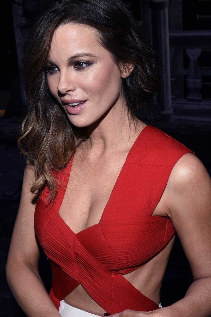 Will not Kate beckinsale bra and too
