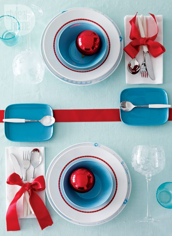 Blue Red u0026 White Christmas Table Setting  sc 1 st  Pinterest & 56 best Christmas Table Settings images on Pinterest | Christmas ...