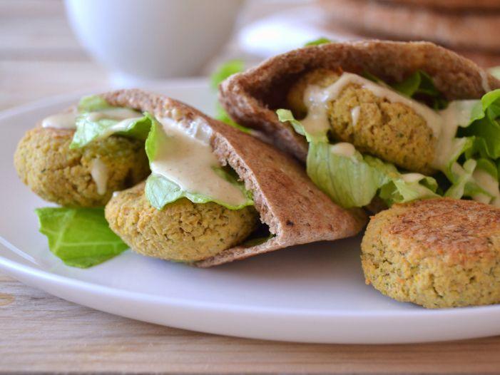 falafel in pita bread with tahini sauce