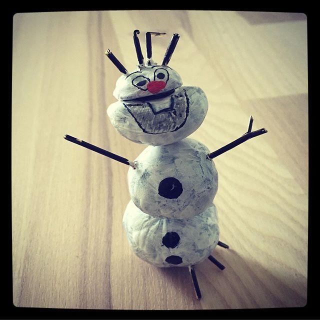 Kastanjedyrene i år er stærkt inspireret af Disney 😂 #disney #frost #olaf #kastanjedyr #efterår #fall #fun #artfulparent #waodesign