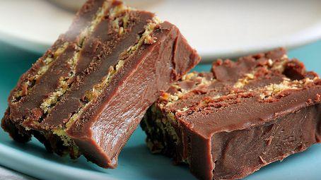 Sjokoladedessert med mørk sjokolade og knuste nachochips | Spar