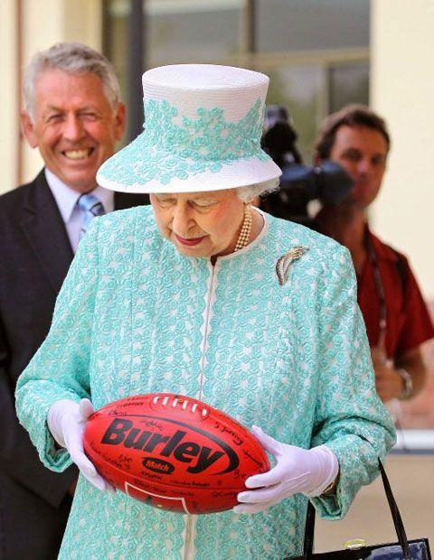 It is lovely ♥♥ Australia, 2011 - Queen Elizabeth II inspecting an Australian Rules football