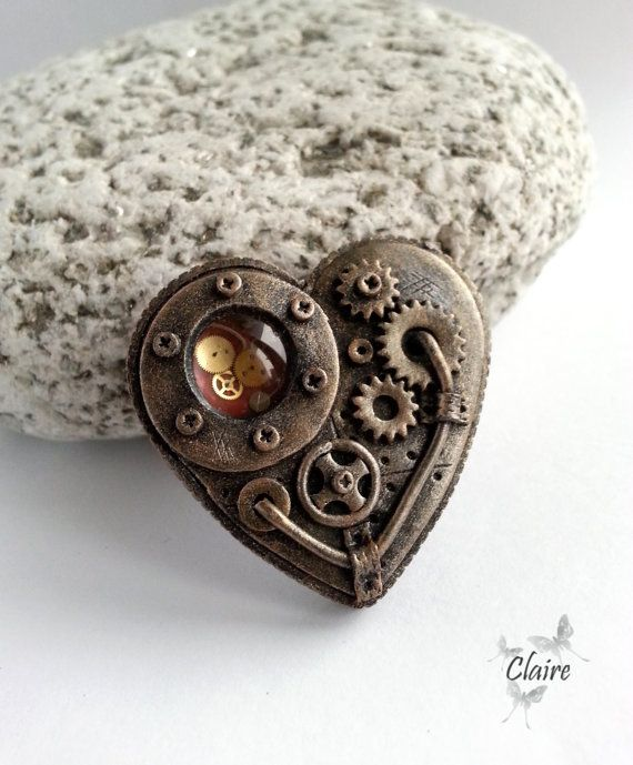 Steampunk - Steampunk Heart Brooch. Steampunk Jewelry. Victorian style. Industrial. Bronze. Gears. Vintage design. Dieselpunk. Bronze brooch by JewelryClaire