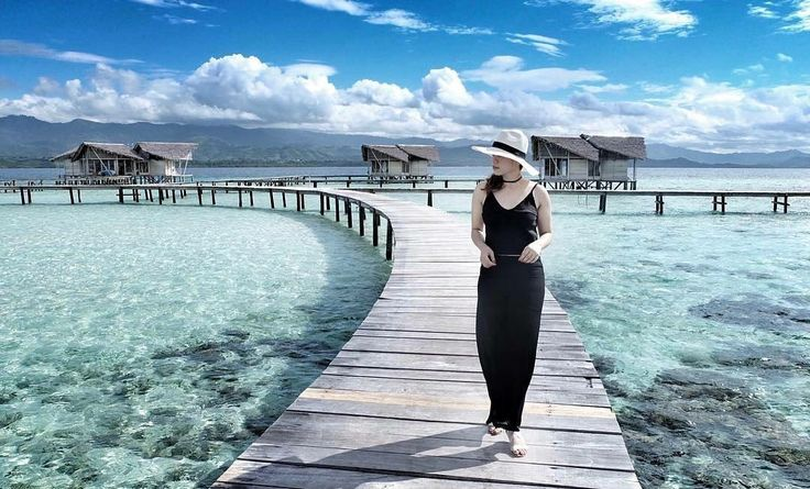 Good Morning.. Let your soul with happiness and feelings of joy and renewal. . . Location : Pulo Cinta Eco Resort Photo by : @crystelmarlusya . . #pulocinta #gorontalo #PesonaIndonesia #WonderfullIndonesia #ExploreNusantara #tukangjalan #JalanJalanMen #pulocintaboalemo #exploregorontalo #trippulocinta #Liburan #Traveling #Travel #Indonesia #Tour #Tukang_Jalan #tukangjalantrip #indonesiabagus #travelphotography #wisataindonesia #pulocintaecoresort #paketwisatapulocinta #paketwisatagorontalo