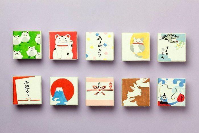 全十種類の可愛らしいパッケージ。箱の種類によって中身の飴の種類も変わります。