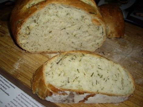 Домашний хлеб с укропом и чесноком