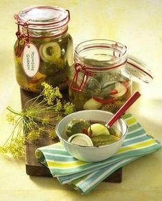 Unser beliebtes Rezept für Scharfe polnische Gurken und mehr als 55.000 weitere kostenlose Rezepte auf LECKER.de.