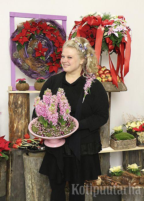 Floristimestari Pirjo Koppi.