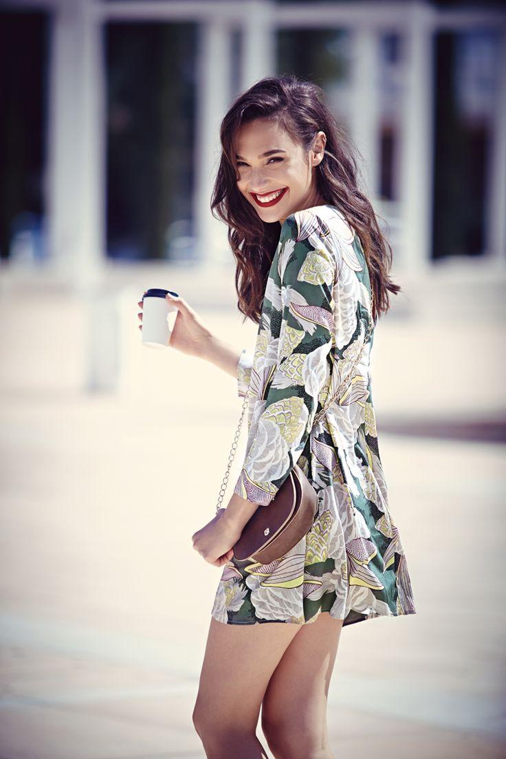 Street style | Long sleeves floral dress                                                                                                                                                                                 Más