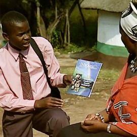 Testigo de Jehová predicando