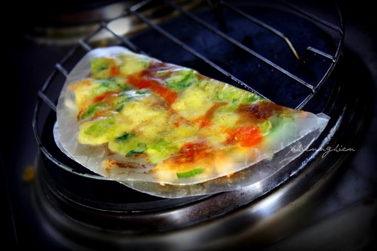 Grilled rice paper  bánh tráng nướng