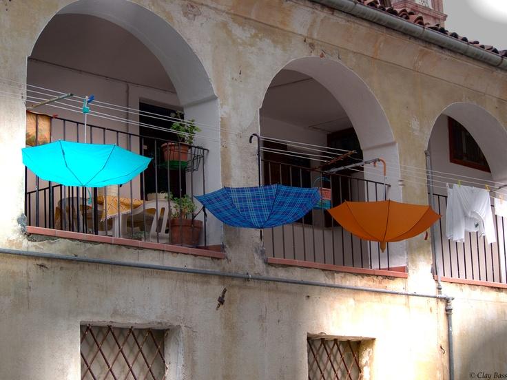 ombrelli a riposo by Clay Bass, via 500px