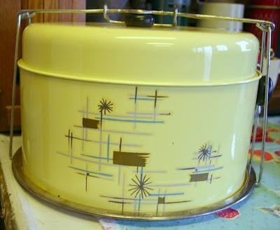 I'd like a cake carrier..