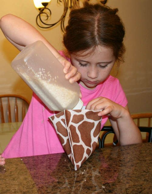 How to make a heat pad with kids! Easy, fast and fun!