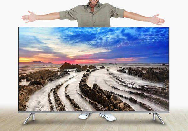 Sí, el tamaño importa, y con las imágenes en 4K Ultra HD, más. La llegada de la televisión HD y después FullHD ya permitió disfrutar de pantallas cada vez más grandes. Según Samsung, En varias encuestas los futuros compradores de televisores aseguran querer una de más de 60 pulgadas: el 90 por ciento. Un 29 por ciento indica que quiere algo de 60 a 69 pulgadas. Y a un 38...