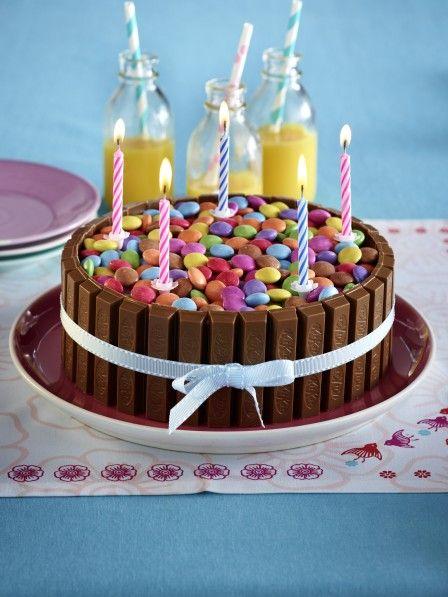 Kuchen-Kindergeburtstag-Kitkat-Smarties