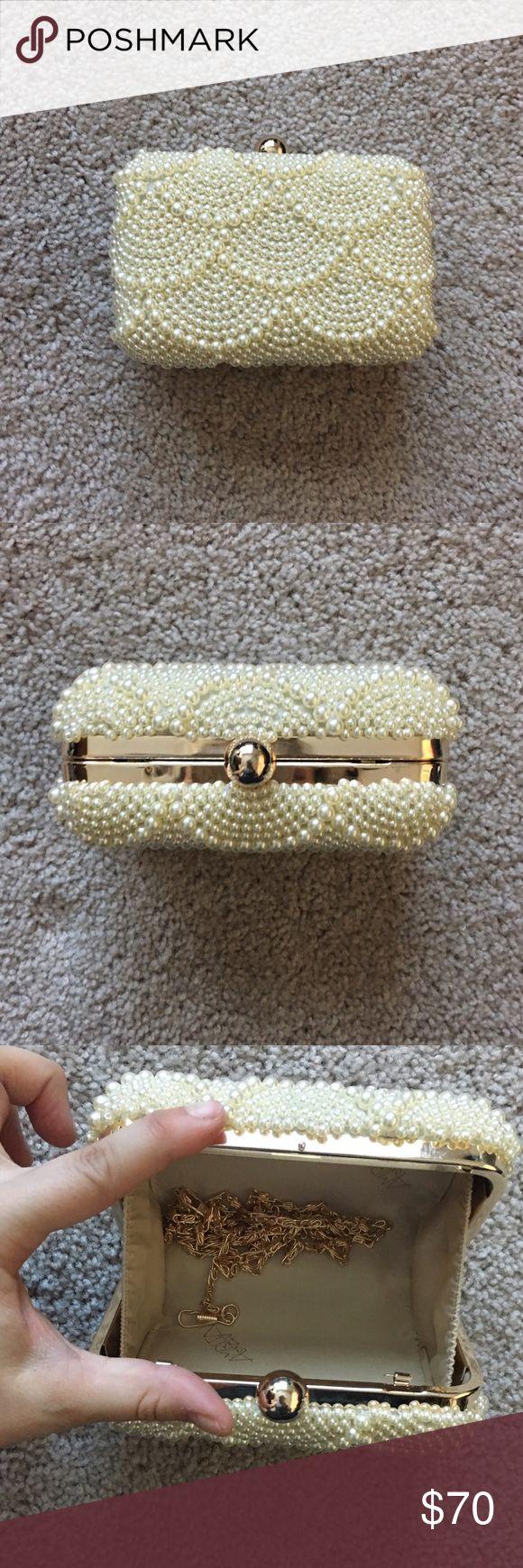 Amrita Singh Pearl-Covered Clutch Amrita Singh pearl-covered clutch with gold attachable chain. NWOT Amrita Singh Bags Clutches & Wristlets