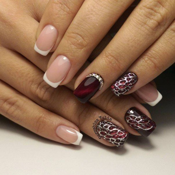 Фотографии модного маникюра 2016, дизайн ногтей со стразами, модный маникюр с вензелями 2016, красивые узоры на ногтях, стразы на ногтях лето 2016, модный летний маникюр
