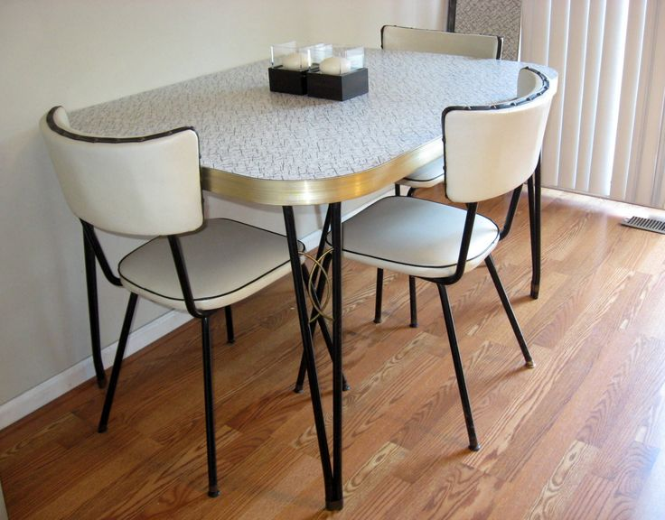 100+ Retro Style Kitchen Table and Chairs - Kitchen Counter Decorating Ideas Check more at http://cacophonouscreations.com/retro-style-kitchen-table-and-chairs/