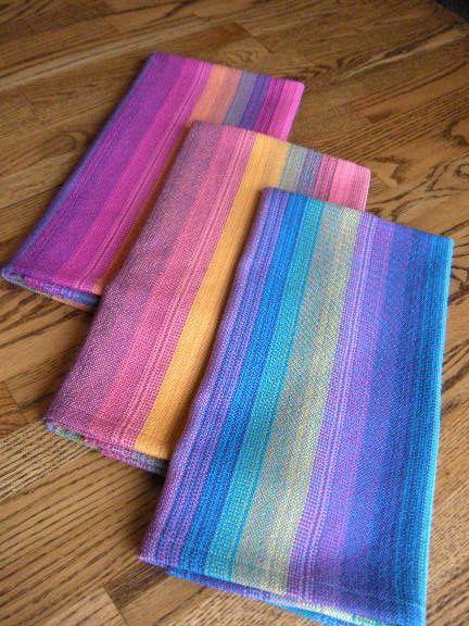 Taquete color experiment - plain weave comparison Found on weavolution.com