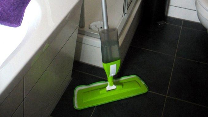 kuchenschranke ikea aufhangen : Den Spraymopp kann man platzsparend und griffbereit im Besenschrank ...