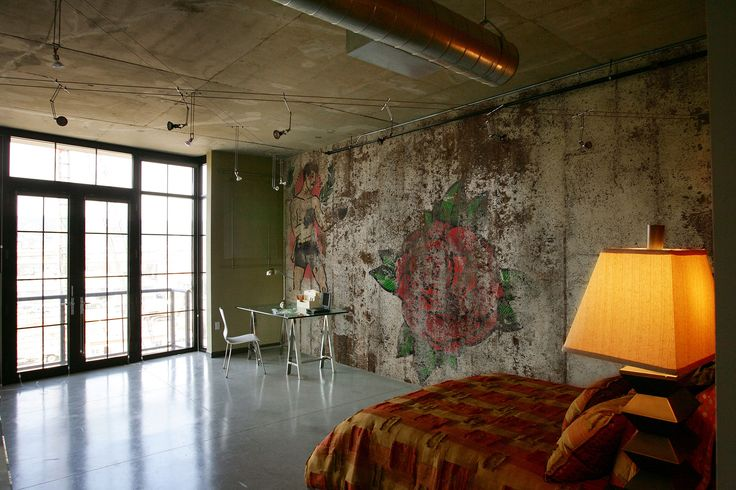 """""""Old School Wall Tattoo""""  For all the tattoo lovers here's """"Billy Hope"""" wallpaper in a beautiful and modern bedroom. #Tecnografica #ItalianWallcoverings #Tattoo"""