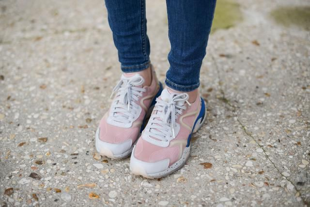 Flat Shoes to Wear With Skinny Jeans - Sneakers
