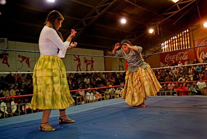 Cholitas Luchadores: Bolivias Female Wrestlers: Lipsticks Feminist, Symbols Of Strength, Bolivian Wrestling, Bolivia Female, Indigenous Woman, Female Wrestlers, Fight Cholita, Cholita Luchador, Wild Woman