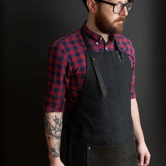 Canvas Apron with leather pocket black / Tablier en by NOIRnBLACK