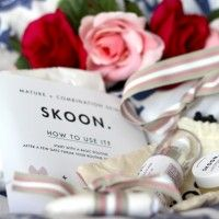A gorgeous review about Skoon.skincare. For more information and orders visit www.healthyskoongirl.co.za