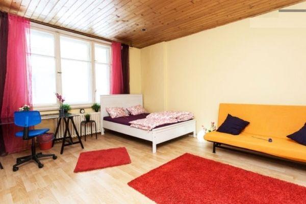Budapest, Ungheria Casa Vacanza, 3 letto, 1 bagno, cucina con internet in VII-Erzsébetváros. Migliaia di foto e opinioni dei clienti imparziali, Goditi Budapest da vero cittadino del mondo!