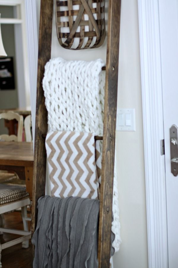 1000 Ideas About Blanket Ladder On Pinterest Diy Living Room Blanket Rack And Diy Apartment