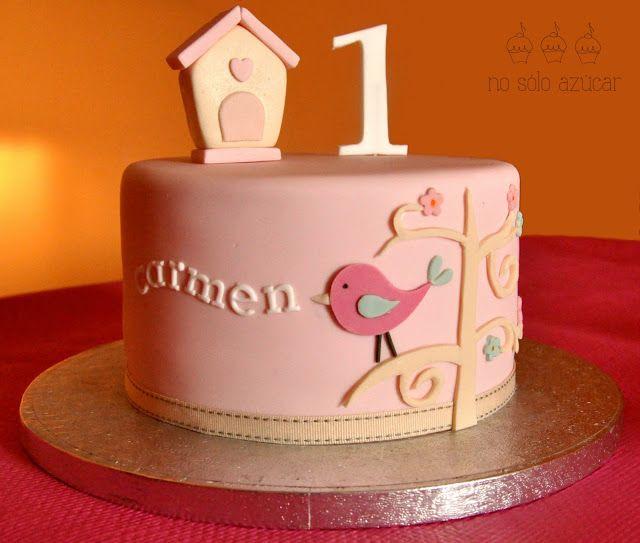 No sólo azúcar: Tarta con un pájaro y un árbol para el cumpleaños de una niña