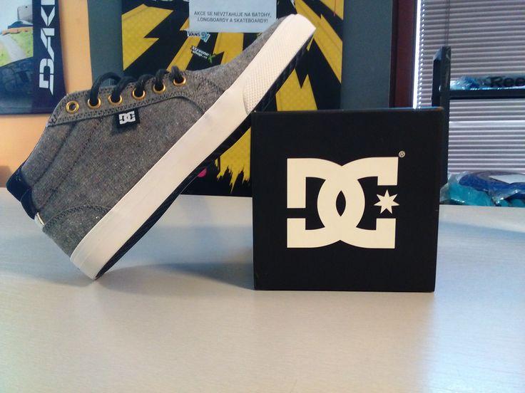 Tydle parádní boty od DC můžeš objednávat zde: CZ:https://goo.gl/QmKZFu SK:https://goo.gl/kSAi99