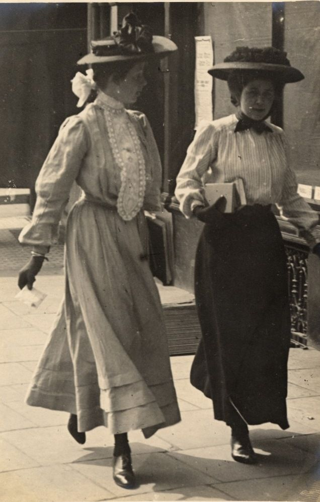 Street style 1906: Edward Linley Sambourne's fashion blog. http://rbkclocalstudies.files.wordpress.com/2012/03/lsl26-kensington-4-jul-1906.jpg.