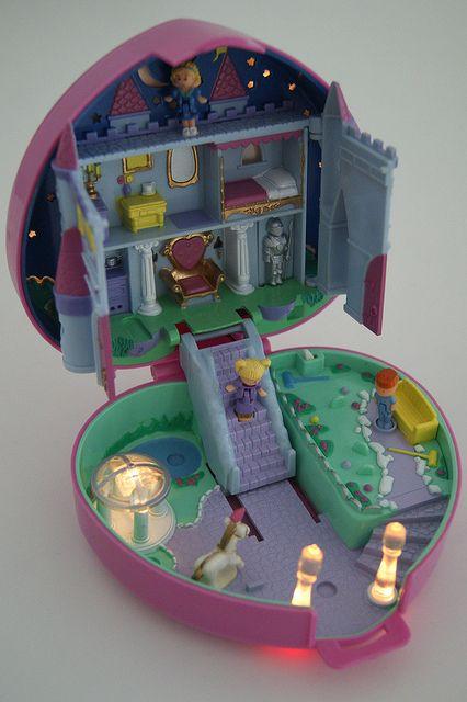 Polly Pockets - Light Up Castle