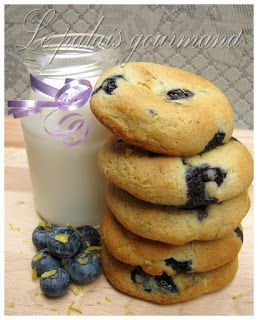 Voici une autre recette combinant les 2 saveurs que j'affectionnes; bleuets/citron. De plus, c'est biscuits portent très bien leur nom et...