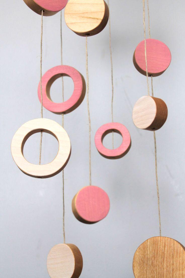 mobile en bois dcoration contemporaine mobile pour bb rose par ateliersaintcerf sur etsy - Decoration De Cuisine 2015 En Rose